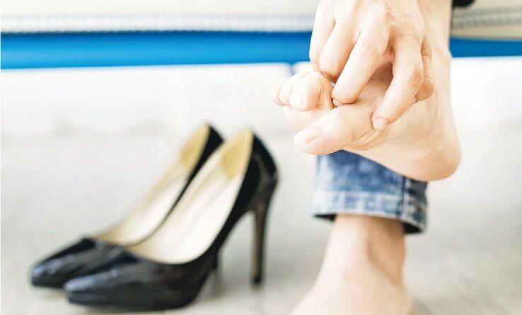【中醫治療】炎夏濕熱易發 內服外浸 踢走香港腳