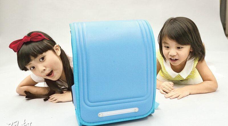 書包減重﹕物理治療師教路 護脊書包助「卸力」 厚書放近背部位置