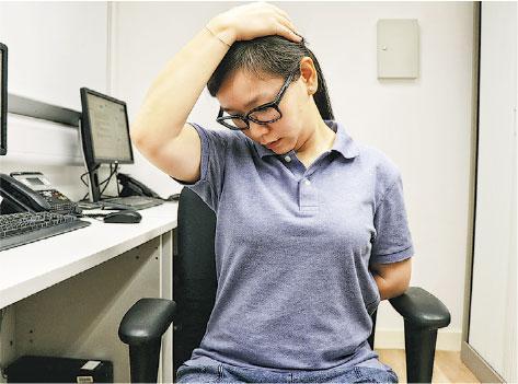 【運動消閒】鬆鬆腰背:簡單伸展運動 肌肉不再疲勞