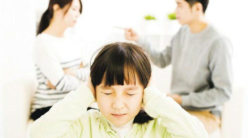 【兒童健康】父母吵架 影響孩子情緒 拒絕上學