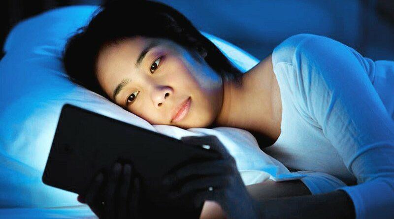 美國研究:睡眠開電視或燈 有增磅或肥胖風險