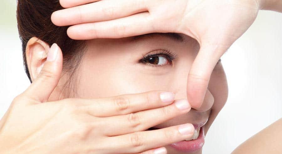 養和特稿,護眼,眼乾,隱形眼鏡,化眼妝,淚水分泌,人造淚水,眼腫,護眼貼士,