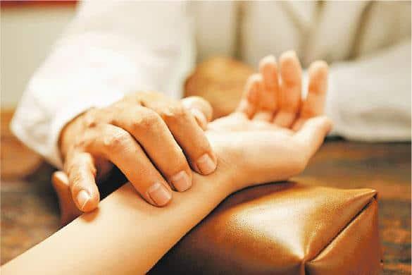 醫徹中西:臨牀把脈 揪出奇難雜症