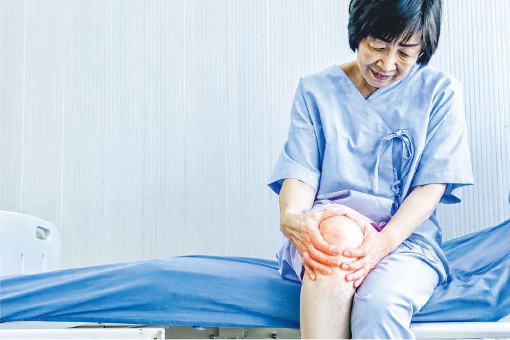 膝頭發炎 關節液變質作惡 積水致腫痛 抽走紓緩