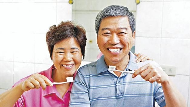 牙齒操補腎 活氣血固齒