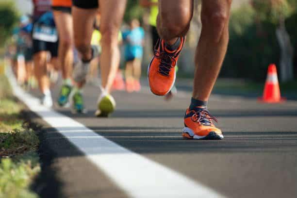 姿治通鑑:跑步賽季 正確跑姿減腰腳勞損