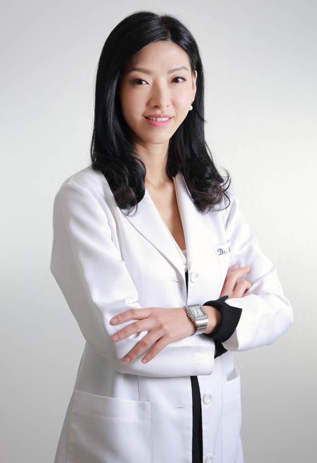 防曬產品使用6注意 皮膚科醫生:防曬塗抹全身需約9茶匙 眼耳嘴周邊易忽略