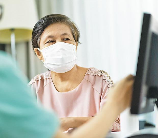 【新冠肺炎】家中長者唔想戴口罩?堅持去茶樓?要禁足? 疫下護老「聽話」絕招