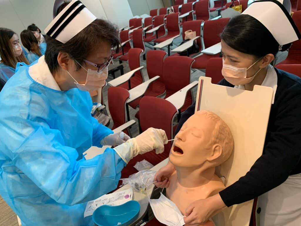 【新冠肺炎】全民檢測| 普及社區檢測計劃正式展開 逾200養和醫護人員協助採樣 需事前接受訓練