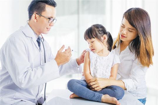 感染流感更易感染新冠病毒? 許樹昌:戴口罩、接種疫苗 料兩病毒夾擊風險不高