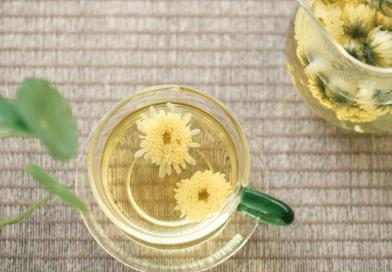 【花茶功效】綠茶、紅茶、黑茶配搭玫瑰花、洛神花、蝶豆花 哪款抗氧化、減低患癌風險?營養師:沖泡花茶2點要注意