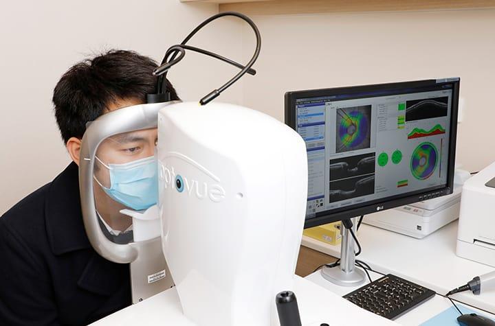 青光眼偷走視力不能逆轉 檢測眼壓、視野、視神經儀器日新月異 「緝拿」潛伏「小偷」留住視力