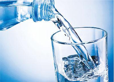 【腎石】少飲水易生腎石?尿液顏色愈深代表什麼?生活中如何保護腎臟健康?