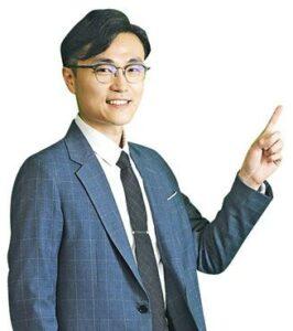 近年香港引入儀器如衝擊波球囊、心臟泵等輔助「通波仔」手術,減低手術風險。——黃曜東醫生(劉焌陶攝)