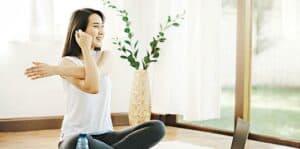 運動後簡單伸展,有效緩解肌肉繃緊,改善血液供應,有助促進肌肉復元。(interstid@iStockphoto)