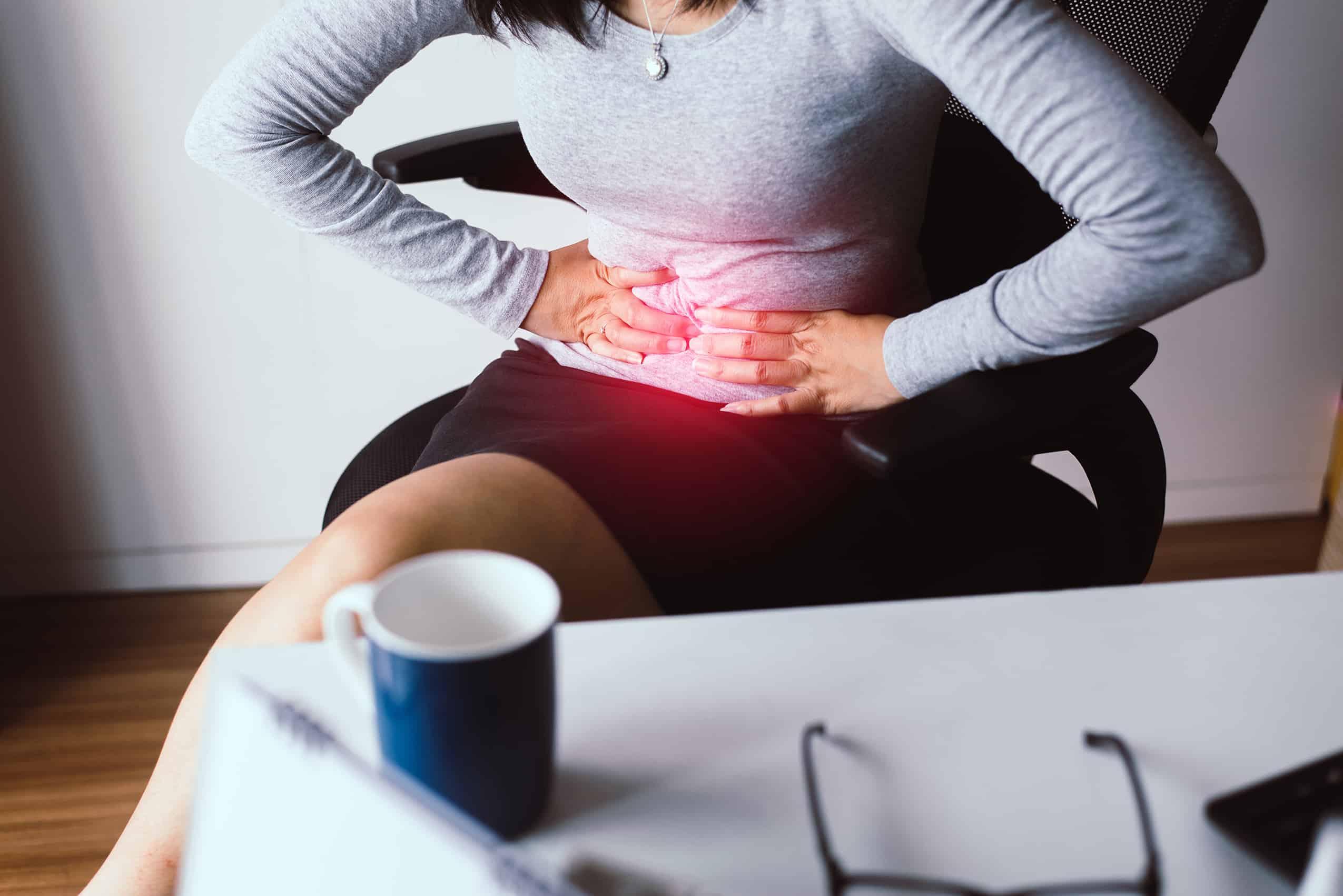 原來胃痛、生膽石、膽囊炎、肝炎,甚至是心臟病都可以引致上腹痛。