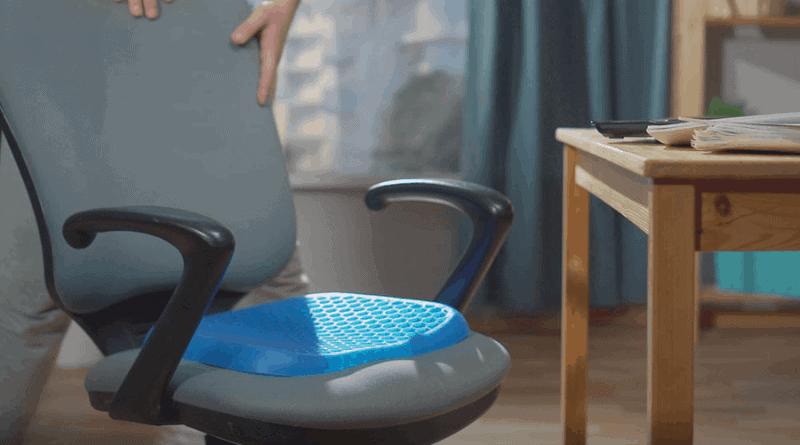久坐盆骨受壓 用保護腰背座墊vs矯形座墊?正確使用助保護腰背、糾正姿勢
