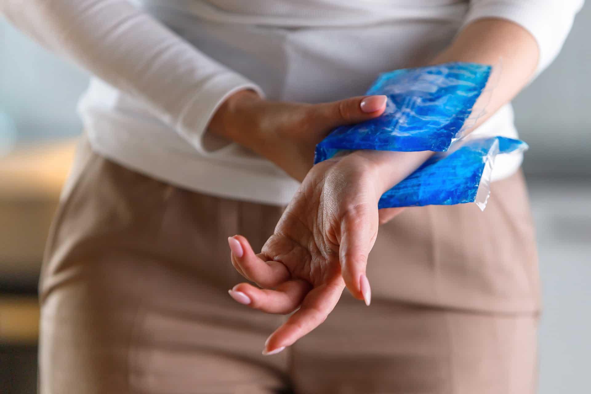 對類風濕關節炎的患者來說,能夠控制病情是十分重要的,而使用有效的藥物治療,才能讓病人關節得到保護。